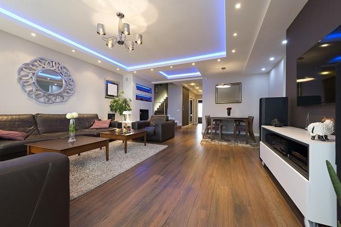 Ứng dụng chiếu sáng gián tiếp trần thạch cao phòng khách