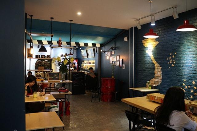 Ứng dụng đèn Bulb trong trang trí cửa hàng